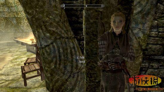 ...盔甲修复了原有的一些问题.增加了女性长手套等.   mod介...