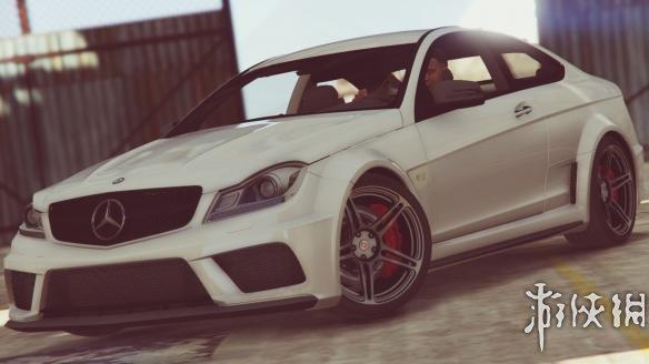 俠盜獵車手5(Grand Theft Auto 5)馬自達賓士 C63 amg MOD