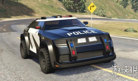 十佳电影之一的疯狂动物城里威风凛凛的警察巡逻车