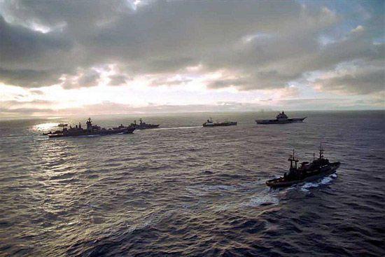 俄媒称美海军航母群实力强于俄海军舰艇编队