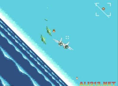 游戏内容非常的简单,操纵一架飞机打击敌人,你拥有火炮及飞弹,除了