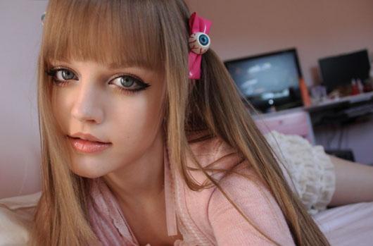 惊为天人!国外美女玩家演绎真人版芭比娃娃