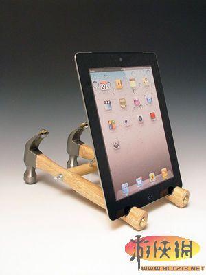锤子和螺丝刀制作ipad创意支架