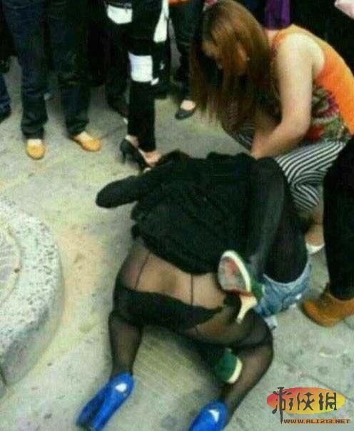 女人打架伤不起啊!