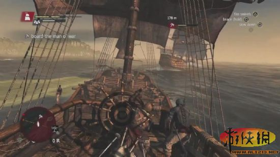 《刺客信条4:黑旗(Assassins Creed 4: Black Flag)》构建了一个开放世界,这样Edward Kenway就可以在波涛汹涌的大海上肆意妄为了。下面就让我们跟随这款游戏的总编剧,一起来看一看一段全新的海战画面吧:   视频中,总编剧Darby McDevitt为外媒演示了激烈的海战内容,这些画面都会出现在游戏中。在这段 视频中你还会看到一个非常火爆的游戏场面,Kenway最后登上了另一艘船,将红衫军美好的一天糟蹋殆尽。   《刺客信条4:黑旗》将于10月29日登陆北美的PS3和