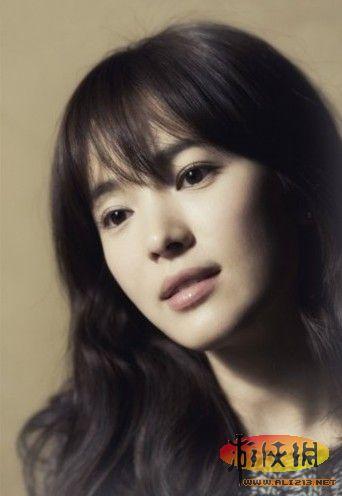 宋慧乔的脸蛋已经成为韩国多年的整容范本