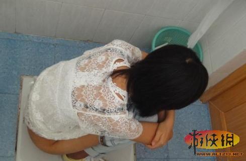 沟厕后拍精品-厦门大学女厕所遭拍引关注 盘点全球最无节操的事件