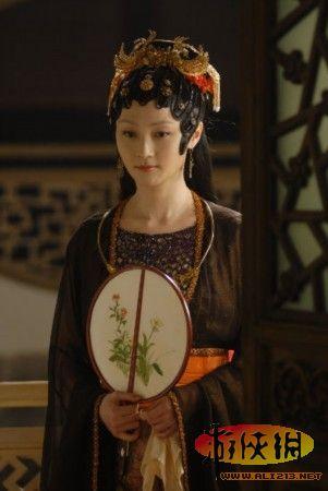 经典电视剧翻拍一拍一个雷 女主角造型哪个最好图片