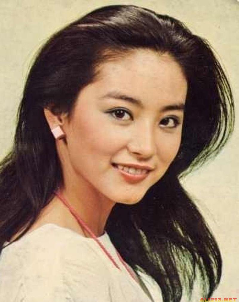钟楚红林青霞刘晓庆 细数各年代最红玉女掌门图片