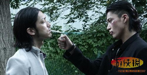 入榜理由:《热血高校》是根据日本漫画翻拍的电影,主要是讲诉铃兰