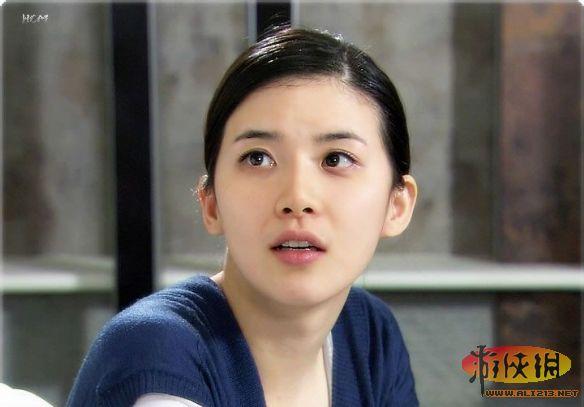 最初认识李宝英是在电视剧可爱的你中