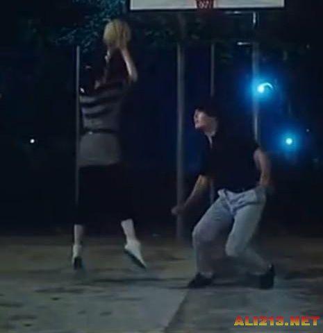 王祖贤在电影中跳投