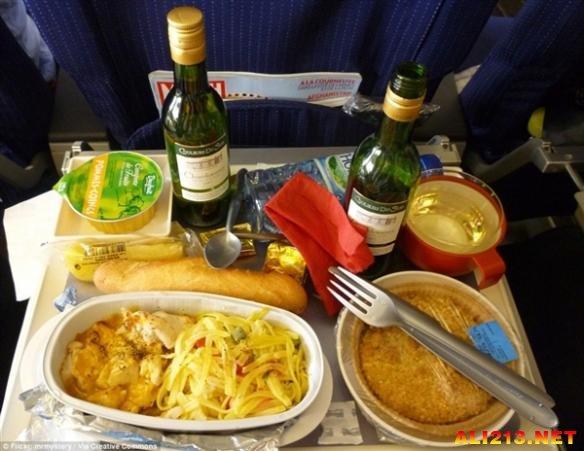 盘点全球18家航空公司的飞机餐