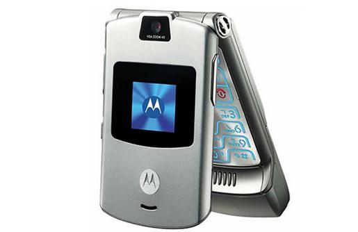 摩托罗拉v3上市时间_还记得当年的大哥大吗?摩托罗拉30年经典手机回顾