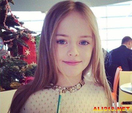 世界上最美的少女?九岁俄罗斯超模五官精致似