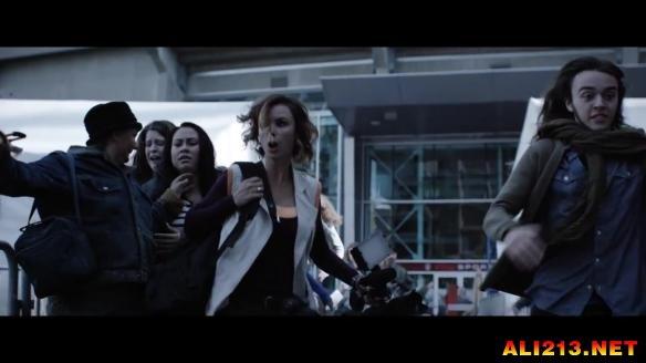 《丧尸围城:瞭望塔》电影片段泄露