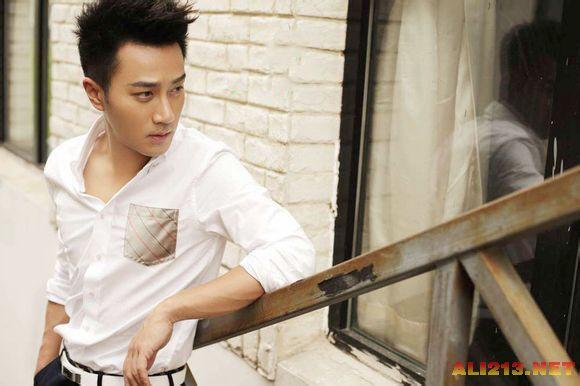 刘恺威整容前后照片