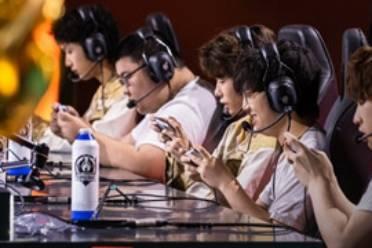 《王者荣耀》重庆QG晋级2021世冠总决赛 武汉ES遗憾止步