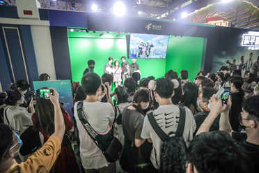 CJ20:浪漫约会甜蜜暴击《光与夜之恋》亮相2020ChinaJoy腾讯展台