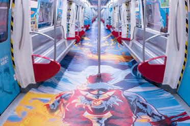 《王者荣耀》承包了一列地铁 霸气武术气息扑面而来